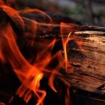 A v tej hore ohník horí